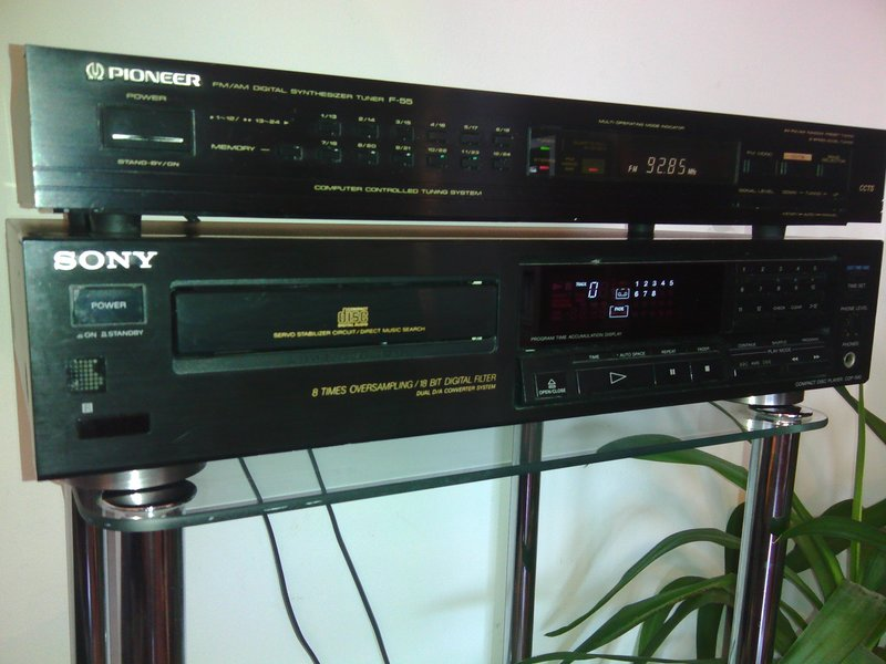 CD Sony CDP-590 si tuner PIONEER F-55